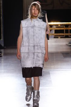 See the complete Rick Owens Spring 2015 Menswear collection.