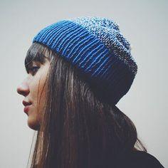 На Жене @evjenia_popova хлопковая шапочка, которая есть в наличии, стоимость 700 рублей будет на ярмарке уже завтра, 10 октября по адресу Иркутск, пер.Черемховский, 1а #byknitmyday #byknitmyday_в_наличии #byknitmyday_wearing