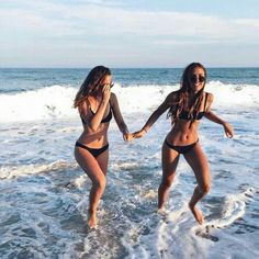 Summer Vibes :: Beach :: Friends :: Adventure :: Sun :: Salty Fun :: Blue Water :: Paradise :: Bikinis :: Boho Style :: Fashion + Outfits :: Discover more Summer Photography + Summertime Inspiration Best Friend Pictures, Friend Photos, Bff Goals, Best Friend Goals, Photos Bff, Lake Photos, Bff Pics, Summer Photos, Photo Instagram