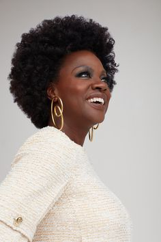 Afro Hairstyles, Black Women Hairstyles, Ylona Garcia, Business Stock Photos, Women In America, Viola Davis, Celebrity Magazines, Natural Hair Inspiration, Foto Pose