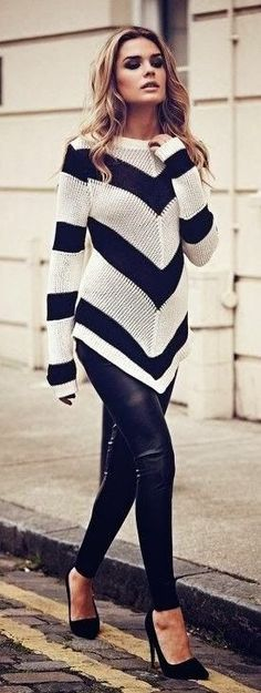 Leather Skinny Trousers with Black&White chevron sweater Vogue Fashion, Look Fashion, Street Fashion, Fall Fashion, Fashion Clothes, Fashion Black, Woman Fashion, Fashion Heels, Casual Clothes