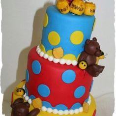 A cute honey bee teddy bear cake