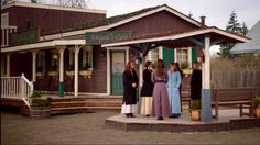 2.01- Abigail's Cafe, it looks like they turned that little water pump platform into the stagecoach platform, with a nice cover and some benches.