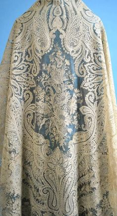 Antique (c. 1850) Exquisite Point de Gauze/Point de Angleterre Lace Large Cream Shawl with Provenance