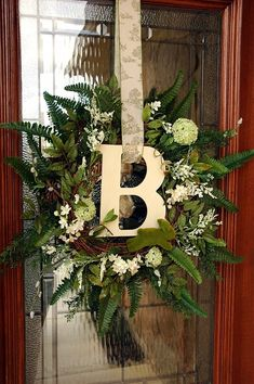 Spring monogram wreath | FollowPics