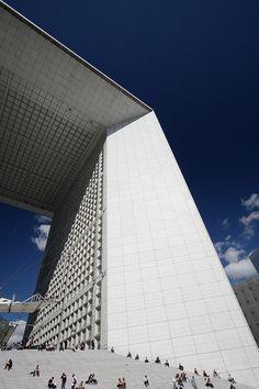 La Grande Arche de la Défense in Paris
