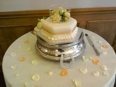 Homemade wedding cake by the bride herself! Cake Blog, Wedding Cakes, Homemade, Bride, Desserts, Food, Wedding Gown Cakes, Wedding Bride, Tailgate Desserts