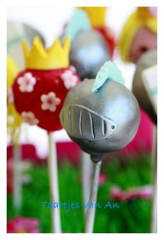 knight cake pops, these are too cute!