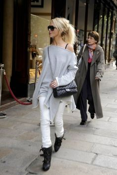 Love this slouch sweatshirt and white jeans. Lets not forget the Chanel bag!***JO