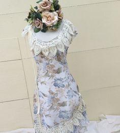 Chiffon Bohemian wedding dress with Venetian trim around the neckline and skirt. Side zipper. Hand washable.