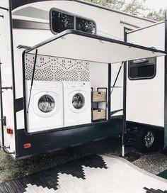 Travel Trailer Camping, Travel Trailer Remodel, Travel Trailer Living, Caravan Living, Travel Trailers, Camping Gear, Rangement Caravaning, Motorhome, Camper Life