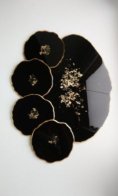 Cheese board and resin coasters set of 4 black coasters for home decor. Gift idea for a housewarming - Art - Cheese board and resin coasters set of 4 black coasters for Diy Resin Art, Epoxy Resin Art, Diy Resin Crafts, Art Diy, Resin Molds, Bedside Table Decor, Black Coasters, Diy Coasters, Resin Jewelry
