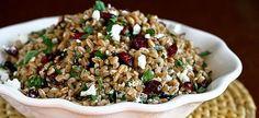 Μεσογειακή συνταγή για οικονομική και νόστιμη σαλάτα με σιτάρι