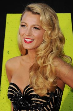 Top 15 Long Hairstyles - Daily Makeover Blake Lively is so beautiful, I love this . Top 15 Long Hairstyles - Daily Makeover Blake lively is so beautiful I love this look, Vintage Hairstyles For Long Hair, Daily Hairstyles, Older Women Hairstyles, Hairstyles For Round Faces, Feathered Hairstyles, Hairstyles With Bangs, Wedding Hairstyles, Fringe Hairstyles, Pixie Hairstyles