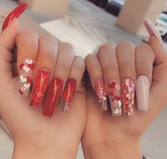 Shared by Manuela Moonlight. Find images and videos about cute, art and nails on We Heart It - the app to get lost in what you love. Best Acrylic Nails, Acrylic Nail Designs, May Nails, Hair And Nails, Super Cute Nails, Pretty Nails, Blush Nails, Glitter Nails, Butter London Nail Polish