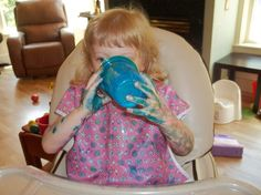 Marker mess! Why kids should wear Sleevie Savers during arts and crafts, drawing and painting.  #sleeviesavers #messykid