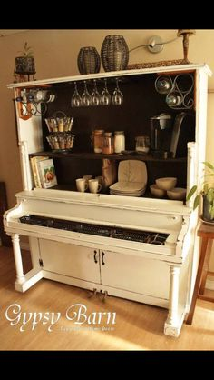 Upcycling an old piano!!