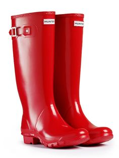Huntress Gloss Red Hunter Boots in red. possible graduation gift to myself? Red Knee High Boots, Red Rain Boots, Wellies Boots, Shiny Boots, Hunter Huntress Boots, Red Hunter, Boating Outfit, Hunter Rain Boots, Shoes
