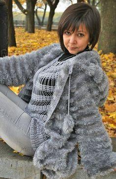 DSC_0149 (451x700, 454Kb) Fluffy Sweater, Angora Sweater, Crochet Coat, Crochet Clothes, Vogue Knitting, Hand Knitting, Knit Fashion, Sweater Fashion, Crochet Monokini