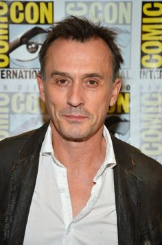 """Robert Knepper from """"Heroes"""" and """"Prison Break""""  """"this guy is so creepy on prison break loll """""""