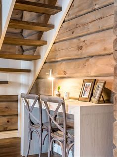 Knotty Pine Decor, Mountain Dream Homes, House Games, Cottage Renovation, Cabin Interiors, Cabins In The Woods, Rustic Elegance, Log Homes, Interior Decorating