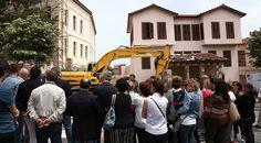 """'Ucube ' bina İzmir Marşı ile yıkıldı """"'Ucube ' bina İzmir Marşı ile yıkıldı""""  https://yoogbe.com/guncel-haberler/ucube-bina-izmir-marsi-ile-yikildi/"""
