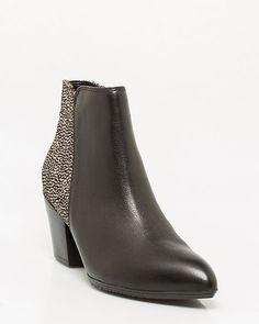 Bottillon de cuir tacheté @lechateau #placevillemarie #bottes #boots #bottillon