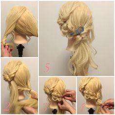 【くるりんぱで作る華やかサイドアップ解説(ロング編)】 (ゴム4つ) ヘアアクセ: @anemone_official 1、上下で2つにざっくり分けます。 2、上の髪は寄せたいサイドと逆に、下の髪は寄せたいサイドにくるりんぱ。 3、上のくるりんぱの毛先を途中まで三つ編みし、毛先を下のくるりんぱの中に入れます。 4、3の毛先をもう一回くるりんぱ。 5、全体をラフにほぐせば完成。 サイドアップは『大人っぽい』『華やか』『セクシー』などのイメージにしたい時に最適です。 #浴衣 #サイドアップ #こなれ感 #アネモネ #anemone #くるりんぱ #お洒落 #お洒落さんと繋がりたい #アレンジ #アレンジヘア #簡単アレンジ #セルフアレンジ #ヘアアレンジ #ヘアセット #ヘアアレンジ解説 #アレンジ解説 #ヘアアレンジ動画 #アレンジ動画 #簡単 #やり方 #愛媛 #愛媛県松山市 #松山市 #松山市美容室 #松山市ヘアアレンジ #ロカリヘアアレンジ #mery_hair_arrange #MERY #ミズノ流アレンジ