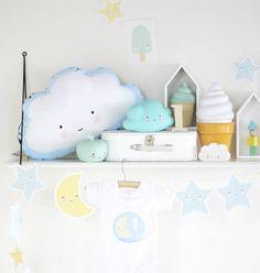 Lieve slinger met maantjes en sterren. Heel leuk als decoratie, bijvoorbeeld op de kinderkamer.