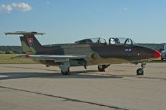 Aero L-29 Delfin Helicopters, Planes, Fighter Jets, Aviation, Aircraft, Vehicles, Dolphins, Military Personnel, Airplanes