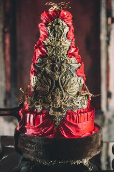 Gothic romance wedding cake. Photo by Mango Studios. Cake by Cake Opera Co.