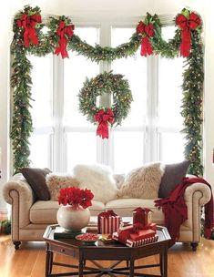 Farmhouse Christmas Decor, Modern Christmas, Outdoor Christmas, Rustic Christmas, Beautiful Christmas, Christmas Diy, Christmas Wreaths, Christmas Cactus, Elegant Christmas