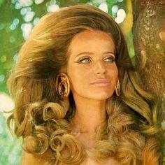 Veruschka 1970's fashion model, that big hair and big eyeliner is amazing! #VintageGlam