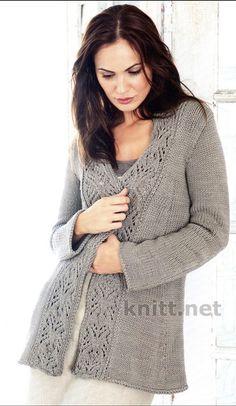 Шикарный но очень простой вязаный жакет с ажурной декоративной каймой по краю воротника и полочек дополнит ваш осенне-весенний гардероб. Модель простая но очень элегантная.