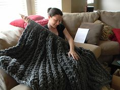 Giant Super Chunky Knit Blanket by Theresa Boyce, check out these needles !!! Pattern is amazing ...