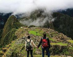 @Regrann from @turistukeando -  La mayoría de los arqueólogos modernos e historiadores coincide en que Machu Picchu fue construida por el Inca Pachacútec el más grande estadista del Tahuantinsuyo quien gobernó desde 1438 a 1471. Los arqueólogos presumen que la construcción de la ciudadela dataría del siglo XV aproximadamente fecha cronológica dada por el carbono 14 o radiocarbono. La construcción de Machu Picchu corresponde al momento en que el pequeño señorío Inca comenzó a crecer. Según…