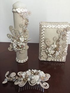 Set of first communion Candle and Bible and hair comb Hand made with Crystals porcelain flowers and glass pearls, Bible is in Spanish And in your order you will get 1 Candle 1 Bible 1 hair comb accessory here you can found more candles and bible https://www.etsy.com/shop/NARELO?ref=hdr_shop_menu§ion_id=15500237  Thanks for visiting