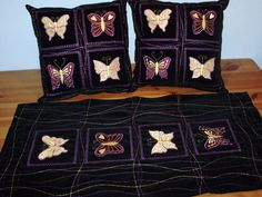Embroidered and applique set, cushions and table runner Handmade Home, Table Runners, Home Accessories, Applique, Cushions, Gifts, Bags, Beautiful, Design