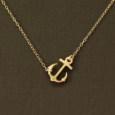 Ahhh love this anchor necklace