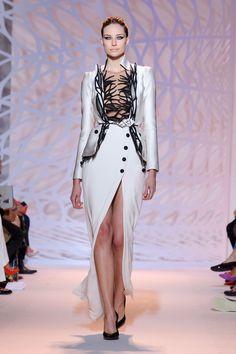 Défile Zuhair Murad Haute couture Automne-hiver 2014-2015 - Look 3