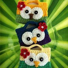 GUFI Cute Crochet Owl Purses- these are adorable~! Crochet Owl Purse, Crochet Owls, Crochet Handbags, Crochet Purses, Cute Crochet, Crochet Crafts, Crochet Baby, Hand Crochet, Crocheted Bags
