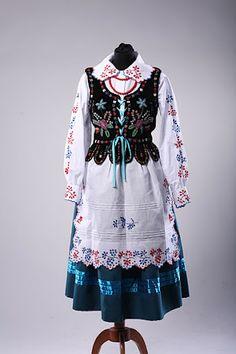 stroje rzeszowskie   Folk Art Wijata: Strój ludowy rzeszowski. Polish Clothing, Folk Clothing, Ethnic Fashion, Kids Fashion, Fashion Outfits, Folk Costume, Costumes, Polish Folk Art, Ethnic Outfits