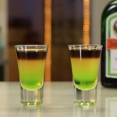 BONG WATER SHOT 1 Part Melon Liqueur ½ Part Jagermeister 1 Part Orange Juice PREPARATION 1. Add melon liqueur to base of shot glass before layering over orange juice. 2. Gently layer jagermeister on top of orange juice. DRINK RESPONSIBLY!