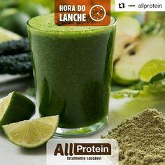 suco verde detox, couve, agrião, salsão, maçã, vitamina c, antioxidantes, magnésio, água de coco, fibras, gelado, gelo, água