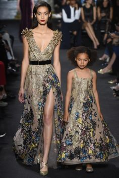 There are Elie Saab fall-winter collection for mothers and daughters. Incredible and irresistible gowns Check others Elie Saab Couture collection on Style Haute Couture, Couture Fashion, Runway Fashion, Fashion Show, Paris Fashion, Fall Fashion, Fashion Fail, Fashion Week, Fashion Boots