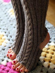 Nordic Yarns and Design since 1928 Knit Mittens, Knitting Socks, Free Knitting, Knitted Hats, Knitting Patterns, Knit Socks, Knitting Ideas, Crochet Slippers, Knit Crochet