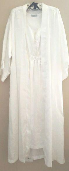 de3d55844ea Bert Yelin For Iris Robe Nightgown Set MED White Polyester Satin ILGWU 70 s  VTG