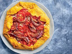 This Roasted Curry Tomato Pie features a turmeric-spiced pastry crust. By Chef Samantha Fore, Lexington chef. Get the recipe at Food & Wine. Krispy Kreme, Wine Recipes, Great Recipes, Summer Recipes, Curry, Tomato Pie, Tomato Sauce, Summer Tomato, Gluten Free Desserts