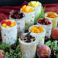 8 New Refrigerator Oatmeal Flavors! Eight new delicious oatmeal flavors you can make at home for a healthy, grab-and-go, make-ahead, no-cook mason jar breakfast. Breakfast And Brunch, Breakfast Recipes, Breakfast Healthy, Breakfast Ideas, Breakfast Smoothies, Oatmeal In A Jar, Overnight Oatmeal, Overnight Porridge, Mason Jar Meals