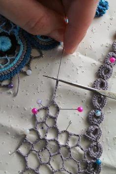 excellent photo tutorial ~ Irish Crochet Webbing by mvaleria . - excellent photo tutorial ~ Irish Crochet Webbing by mvaleria – breakfast - Crochet Diy, Irish Crochet Tutorial, Art Au Crochet, Irish Crochet Patterns, Russian Crochet, Crochet Gratis, Crochet Motifs, Freeform Crochet, Thread Crochet